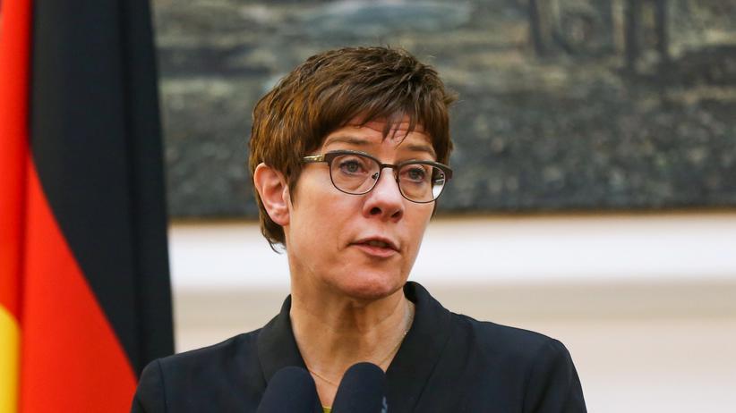 Bundeswehr: Bundesverteidigungsministerin Annegret Kramp-Karrenbauer (CDU)