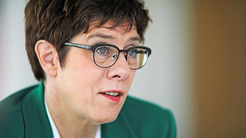 Parteivorsitz: Annegret Kramp-Karrenbauer während eines Interviews mit der Nachrichtenagentur Reuters