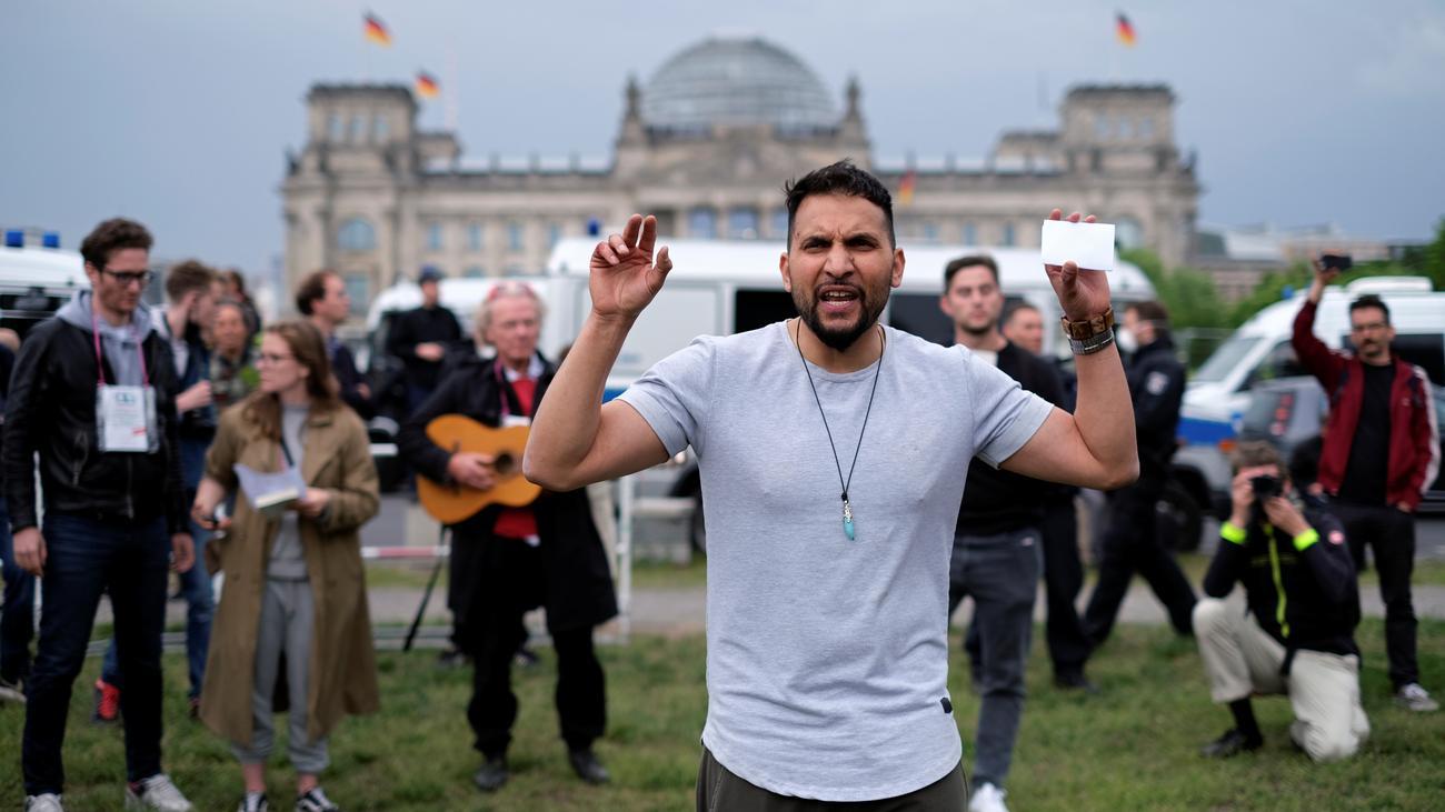 Corona-Proteste: Attila Hildmann kurzzeitig festgenommen