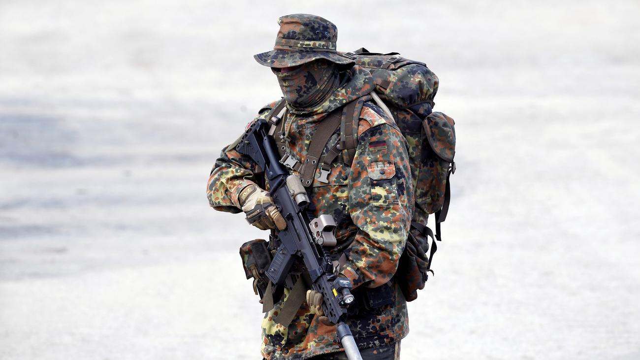 Soldaten, die den Umsturz planen