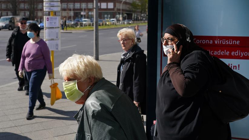 Maskenpflicht Bushaltestelle
