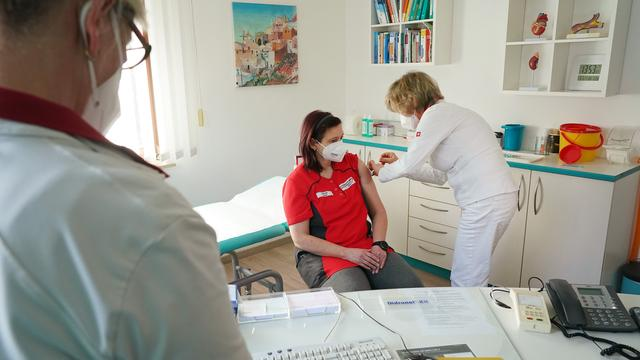 Coronavirus in Deutschland: Brandenburg stoppt Terminvergabe für Erstimpfungen