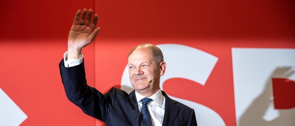 ZDF-Politbarometer: Umfrage zeigt großen Zuspruch für Olaf Scholz als Kanzler
