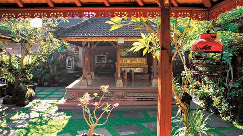 Indonesien: Gäste sind im Haus von Gus De und Putri im Dorf Mas herzlich willkommen