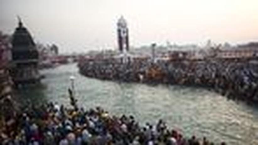 Indien: Gläubige feiern Kumbh Mela