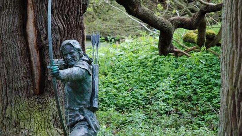 Eine Statue im Sherwood Forest