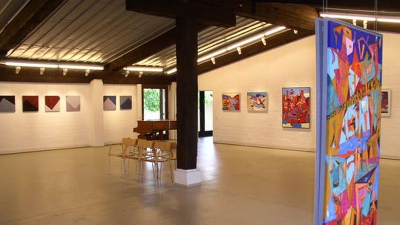 Moderne Kunst in altem Bauernhof: die Galerie Jürgensen in Oetjendorf