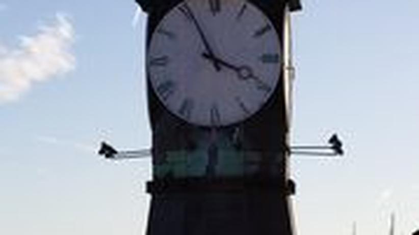Der Glockenturm auf dem ehemaligen Werftgelände Aker Brygge