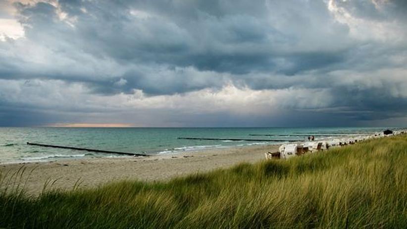 Mit Tucholsky im Gepäck wird man Ostseestrände nie mehr naiv ansehen können