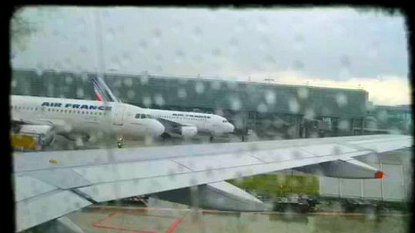 Der Multimedia-Journalist Richard Koci Hernandez filmt am liebsten aus dem Flugzeug