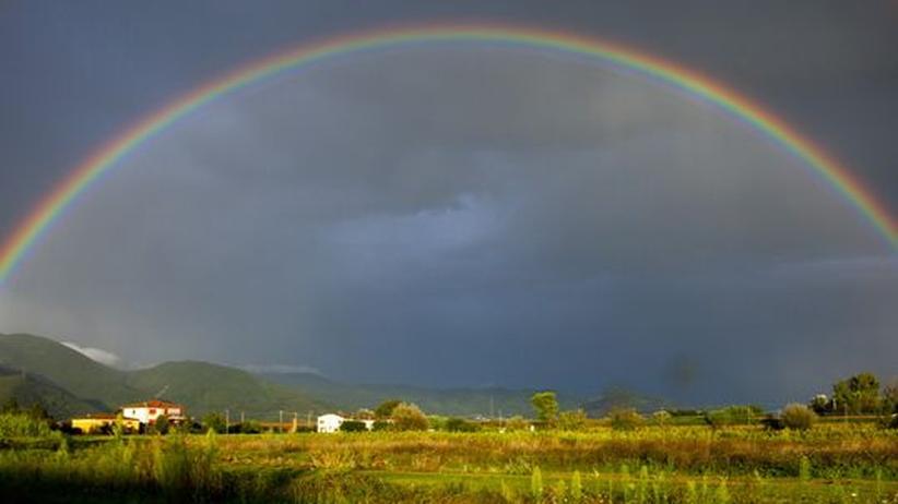 Regenbogen über der Toskana