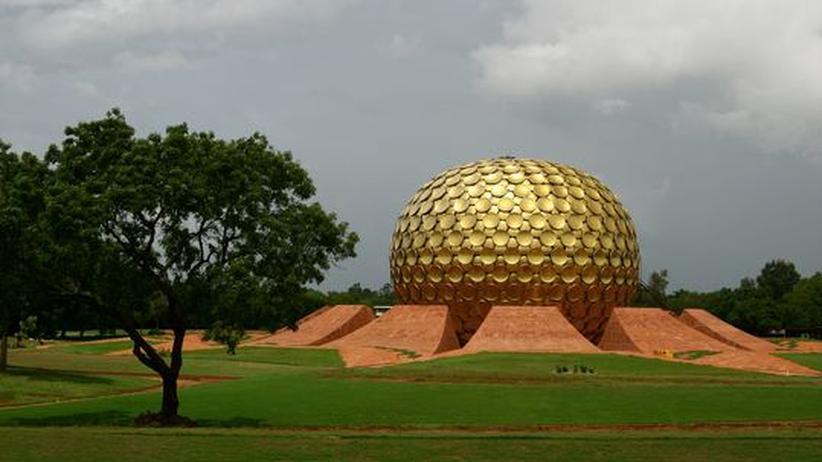 Das 2008 vollendete Matrimandir ist das Meditationszentrum von Auroville