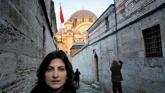 In der Nachbarschaft der berühmten Süleymaniye-Moschee trifft man viele Studenten.