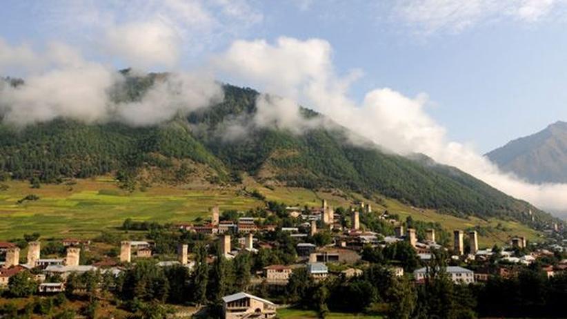 Blick über die Kleinstadt Mestia