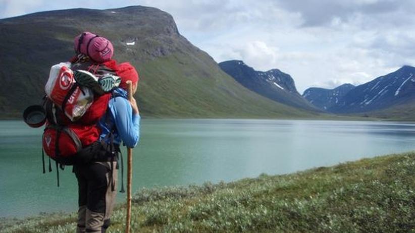 Outdoor-Kolumne: Schwerer Rucksack leicht gepackt: Auf Material und gute Gewichtsverteilung kommt es an. Auch beim Wandern in Schweden.