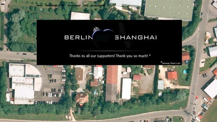 Reisen und Internet: Die Zwillinge Hansen und Paul Höpner wollen ab April mit dem Rad von Berlin nach Shanghai fahren. Finanziert haben sie die Reise durch Crowdfunding.