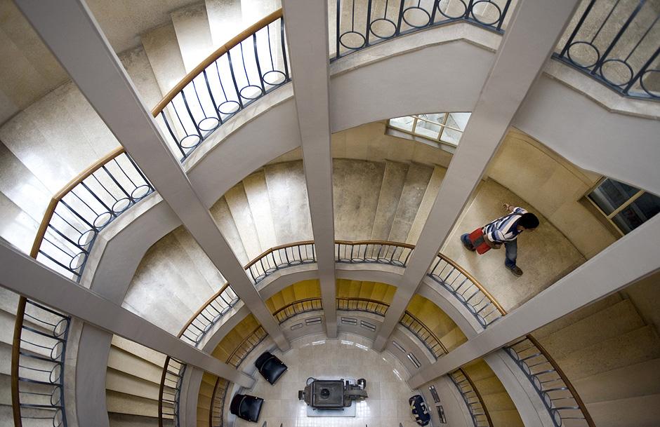 "Stefan Boness: ""Hotel Cinema Esther, 1 Zamehof Street, Architekten: Yehuda & Raphael Magidovitch, 1939"""