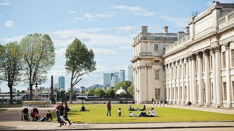 Beim Picknick vor dem Old Royal Naval College in Greenwich ruht sich London aus.