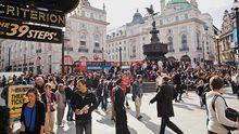Piccadilly Circus ist der Treffpunkt Londons.
