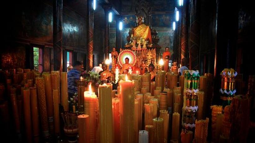 Ruhe in den Tempeln von Phnom Penh, Kambodscha