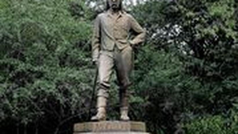 Diese Statue von David Livingstone steht in Victoria Falls, Simbabwe.