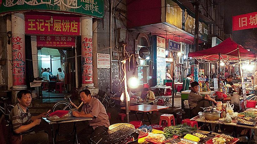Fotograf Jens Nagels: Neonlicht über asiatischen Garküchen