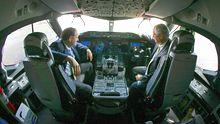 Blick ins Cockpit einer Boeing 787: Nur hier werden bislang separate Elektrokompressoren eingebaut.