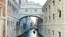 Il Ponte dei Sospiri zwischen Dogenpalast und ehemaligem Gefängnis