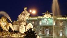 Nacht auf dem Plaza de Cibeles in Madrid