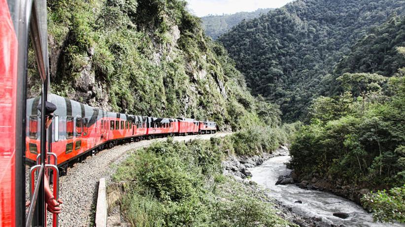 Ecuador: Der Zug, der jeden zum Grüßonkel macht
