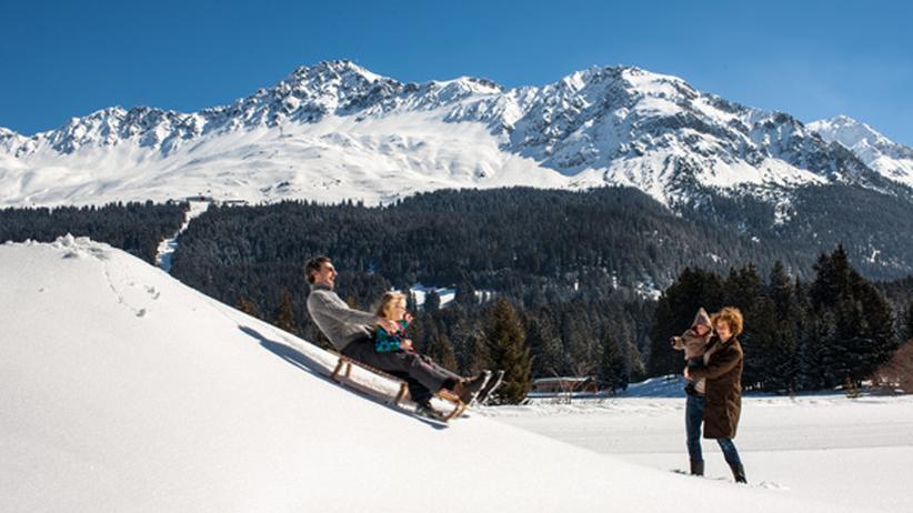 Skiurlaub in Graubünden: Unsere Autorin in Lenzerheide: Beim familiären Rodeln heute