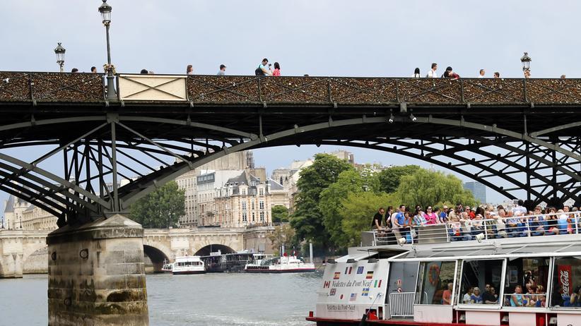 Liebesschlösser: Teil des Pariser Pont des Arts bricht ein