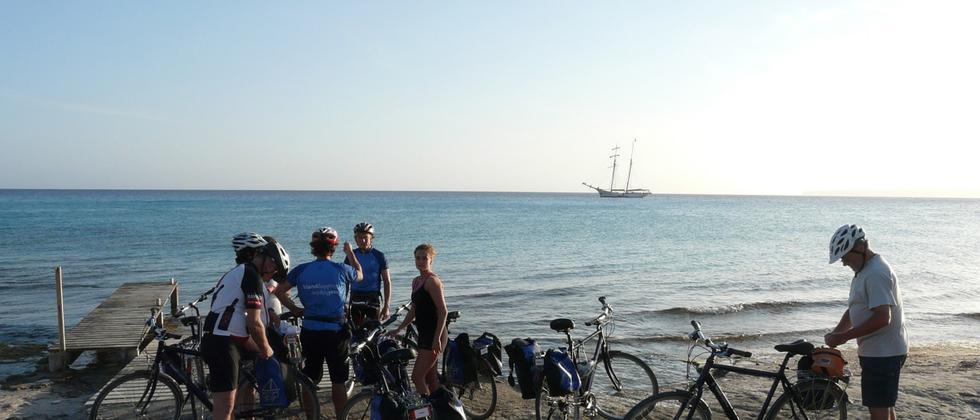Inselhüpfen: Freibeuter auf zwei Rädern