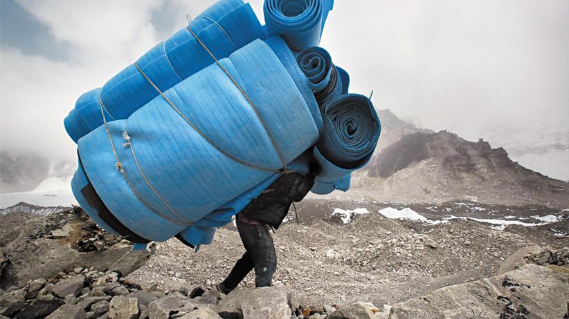 Sherpas: Tragen ist ihr Geschäft