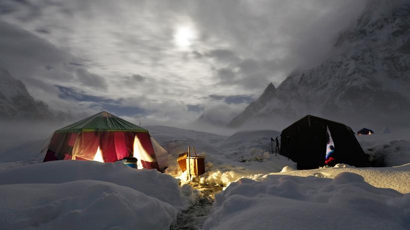 Pakistan: Tiefschneetrekking im Karakorum