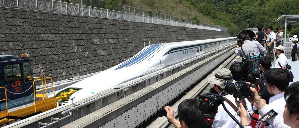 Japan: Der Zug ist ein Flugzeug