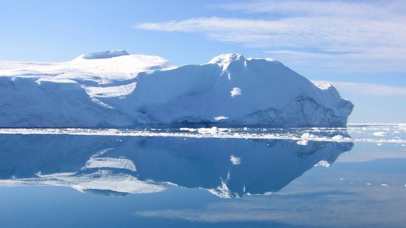 Grönland: Schneerausch am Meer