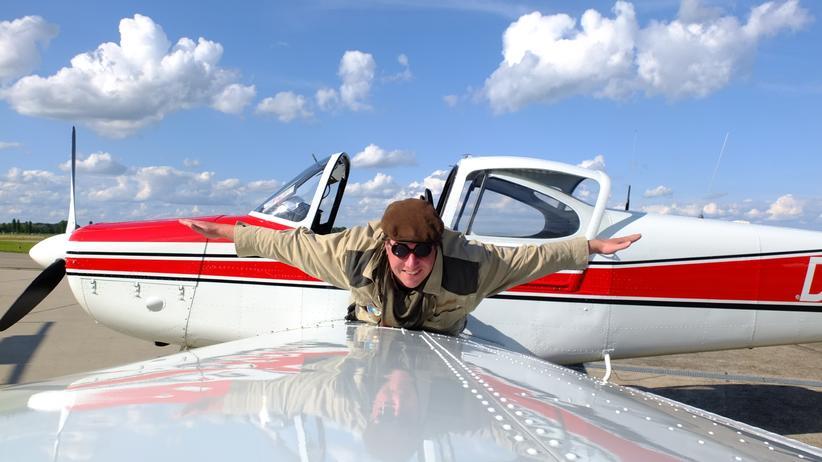 Reisen, Trampen, Reiseverkehr, Boeing, Flughafen, Flugzeug, Motorrad