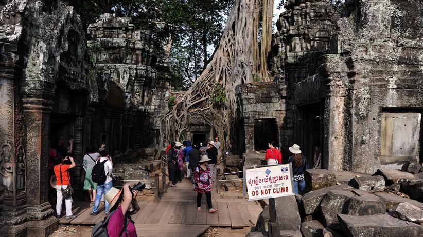 Nackte Touristen: Spießige Trampel
