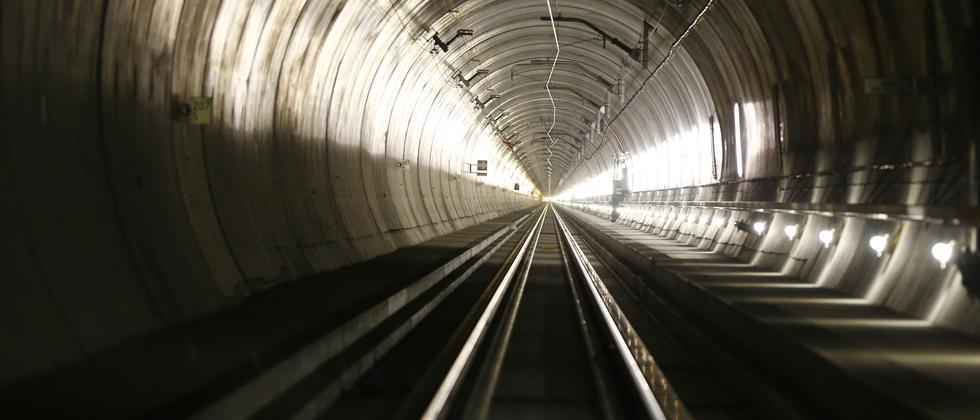 Gotthard-Tunnel: Ein Loch für Europa