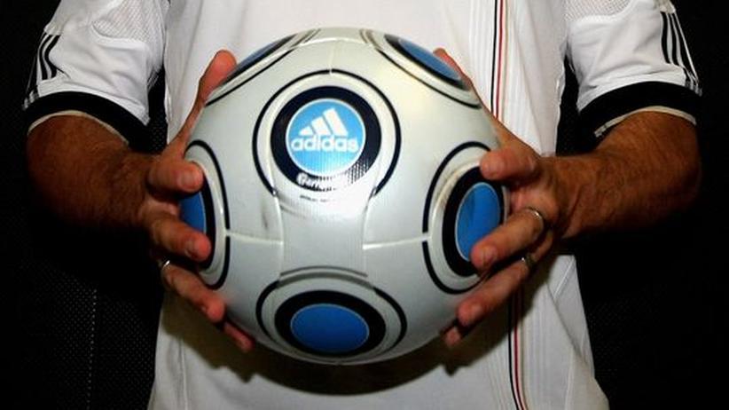 Ausblick auf das Sportjahr 2010: Und am Ende tritt Jogi Löw zurück