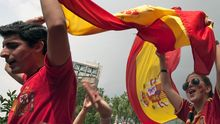 Trikots und Fahnen sind derzeit der Verkaufsschlager in Spanien