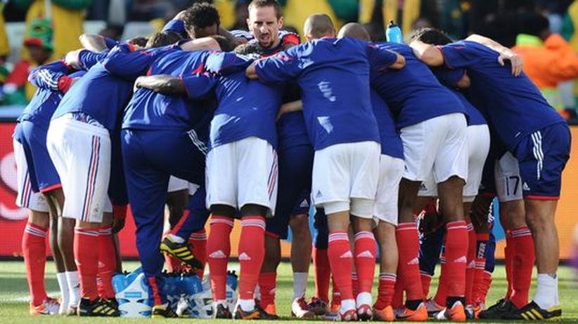 Disziplinarmaßnahme: Frankreichs Fußballverband sperrt WM-Kader