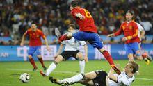 Die Spanier haben mit Andrés Iniesta die Hoheit im Mittelfeld