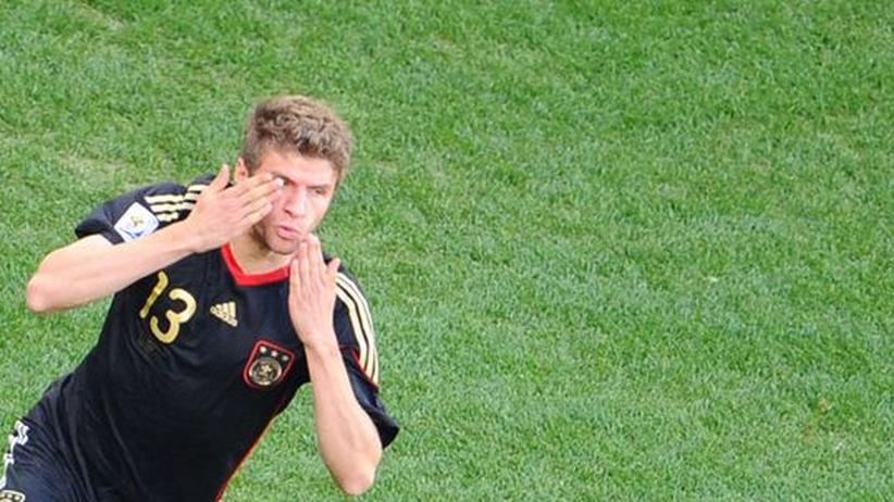 Thomas Müller feiert seinen Treffer zum 1:0 gegen Argentinien