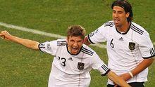 Müller feiert seinen zweiten Treffer im Achtelfinale gegen England