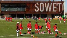 Die Nike Soccer School in Soweto