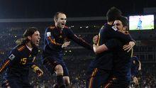 Die Spanier herzen ihr besten Torschützen: David Villa