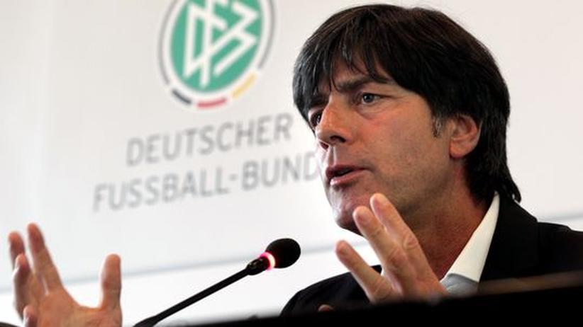 Sieht noch keinen Anlass, sich zu positionieren: Bundestrainer Joachim Löw