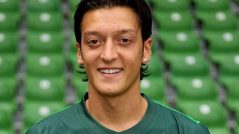 Fussball: Mesut Özil wechselt zu Real Madrid